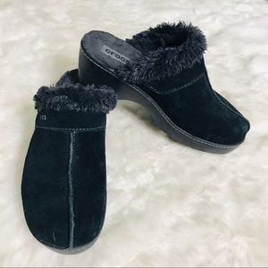 Crocs Black Suede Faux Fur Lined Cobbler Mules 8